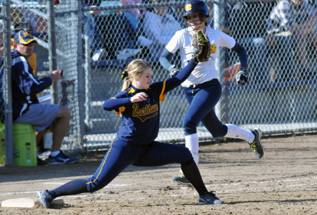 Wildcats Quiet Eagle Bats in Doubleheader